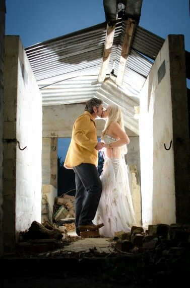 Kiss in the barn