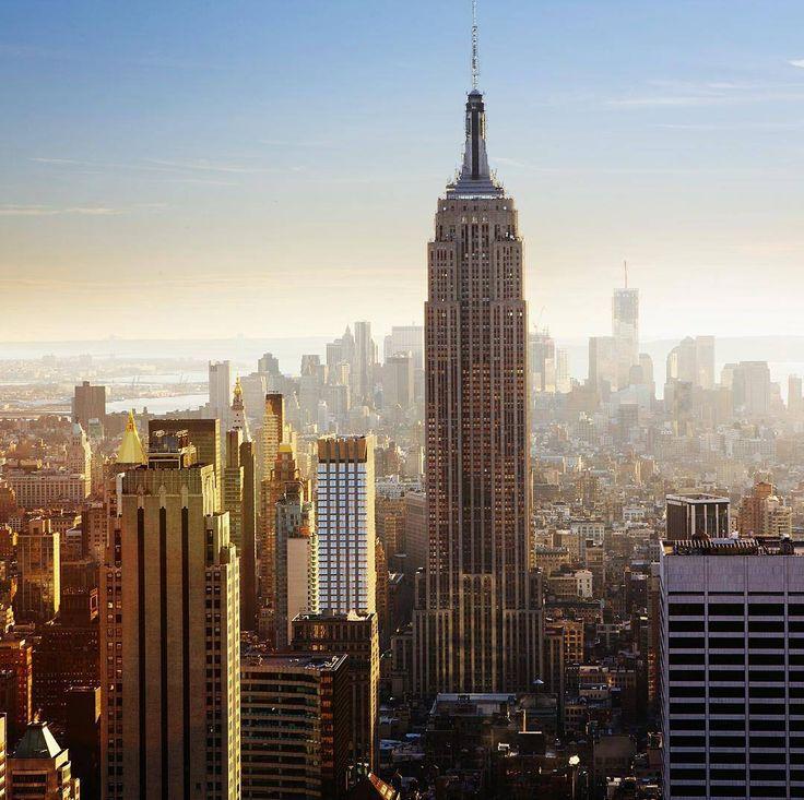 Три недели английского за $1160 на 63-м этаже в здании Empire State Building в Нью-Йорке! Тебя ждут современные учебные классы и потрясающий лаунж с бесплатным кофе вайфаем и сумасшедшими видами на город! Цена со скидкой успей забронировать до 25 июня. #usa #kaplaninternational #bigbenkrasnodar #krasnodar #бигбенгрупп #образованиедлявсех#образованиезарубежом#образованиекраснодар#каникулы#лето#сша#америка#учиманглийский#краснодар#поехали#учеба