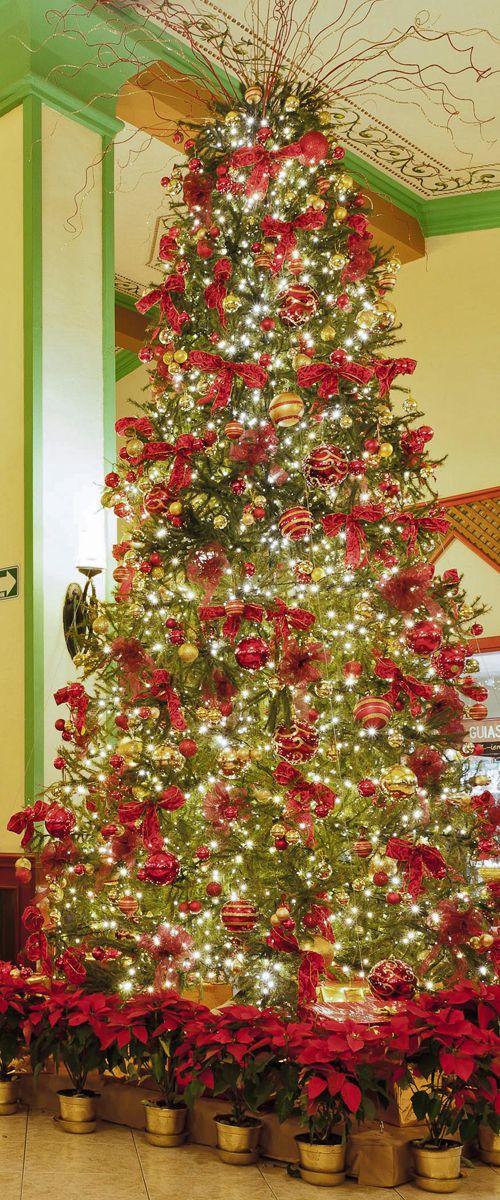Christmas Tree at Riu Playacar - Playa Del Carmen, Mexico - Christmas at the beach - huge Christmas tree at the lobby