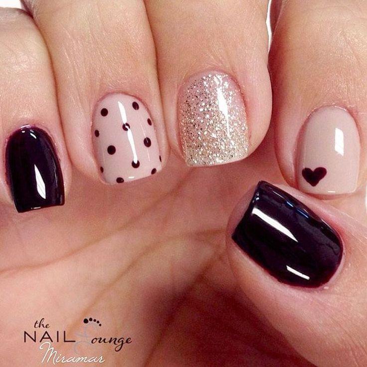 Lovely valentine nails design ideas 74