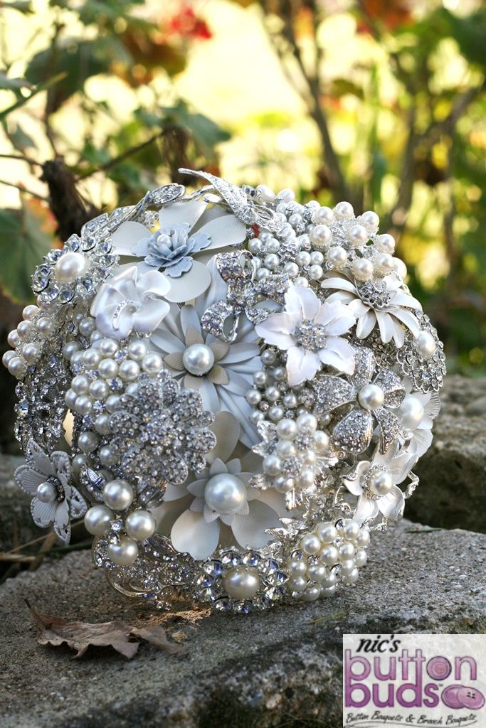 Want to win this Brooch Bouquet from Nic's Button Buds?  Ends July 7th 2013  Check out https://www.facebook.com/nicsbuttonbuds/app_228910107186452