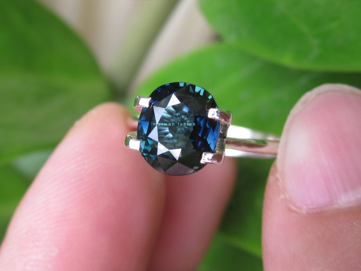 Bi-color Sapphire Blue Green 2.20 Cts - 7.90 x 7.00 x 4.03mm