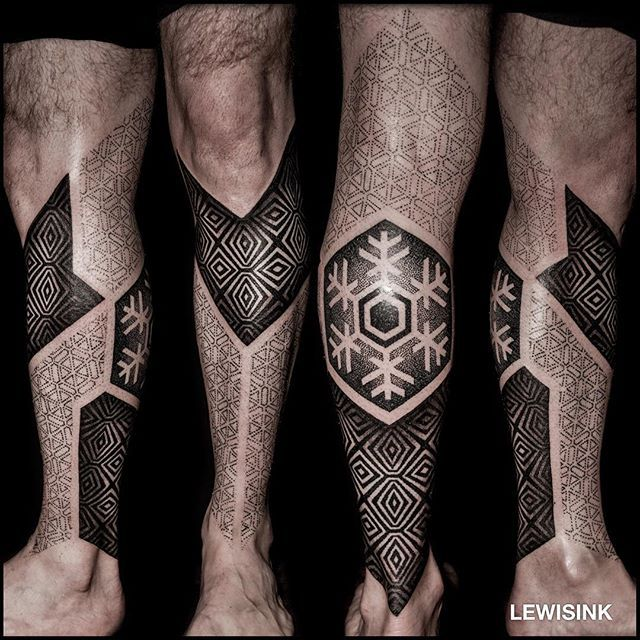 Progress shot of Yves' ❄️ lower leg. One more session. Thank you for being super cool! See you soon. #tattoo #blackwork #dotwork #geometry #switzerland #lewisink