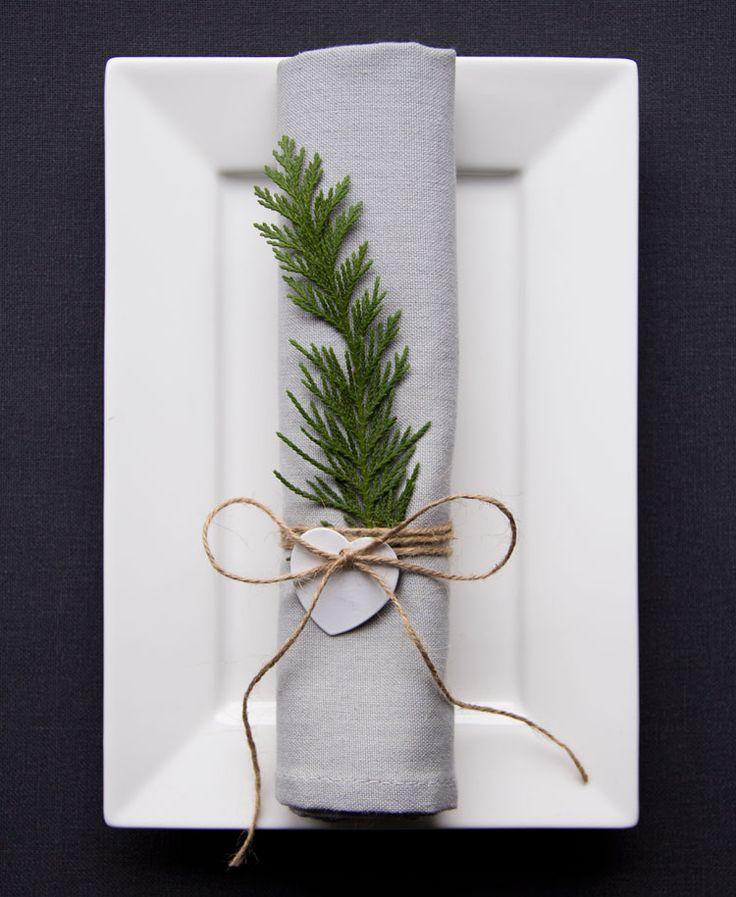 Kerst is voor ons de meest favoriete tijd van het jaar. Gezellig de kerstboom in huis, kaarsjes aan, open haardvuurtje en een stapel vol magazines voor de nodige inspiratie voor het kerstdiner… Wij houden ervan! Bij het kerstdiner hoort ook …
