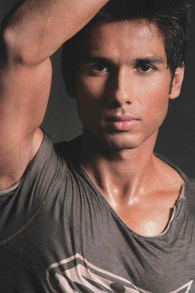 Shahid Kapoor (b. 25 February 1981) is an Indian actor who appears in Bollywood…