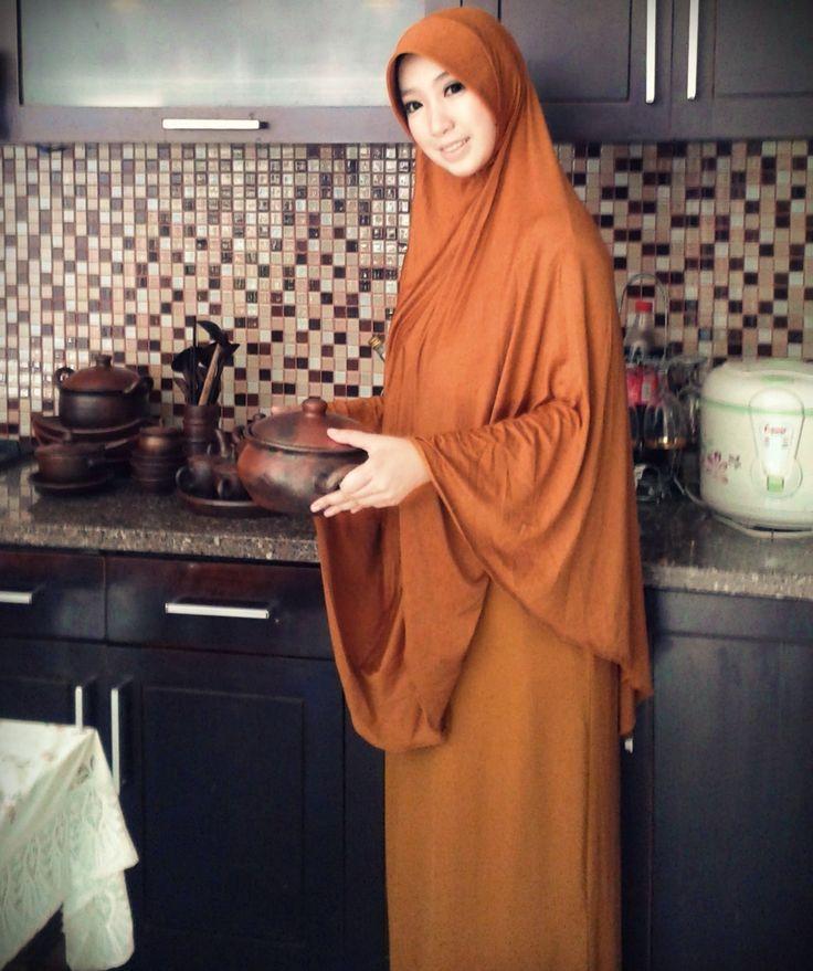 tan abaya + bergo soooooo comfort ^ ^ #Hijab #shar'i