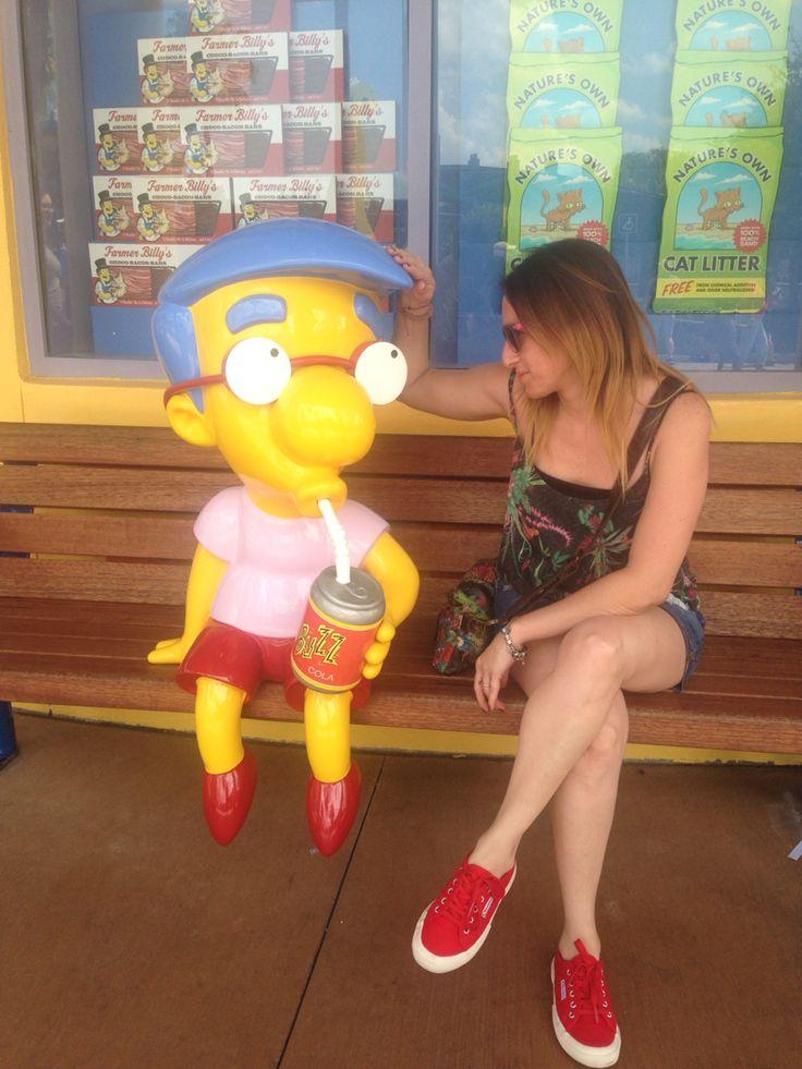 Conversando con Milhouse!!  #bershka #superga