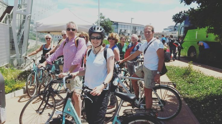 Great people joining us on a bike tour from #Holland. @cyclingvenicelagoon @cyclecities. Finally nice weather in #venice . Let's bike :-)
