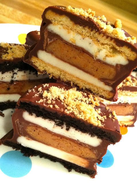 reese's stuffed oreo.  just fueling my obsession.: Desserts, Stuffed Oreo, Reese Stuffed, Chocolates Covers, Recipes, Ree Stuffed, Chocolates Dips, Oreo Cookies, Peanut Butter Cups
