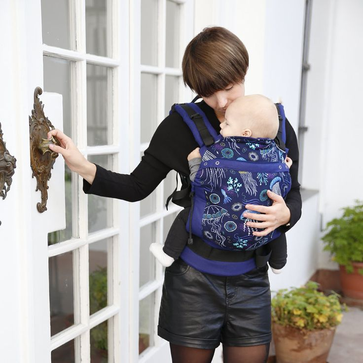 Liliputi® Buckle Carrier - Rainbow line - Deep Blue http://www.liliputibabycarriers.com/buckle-carrier/deep-blue