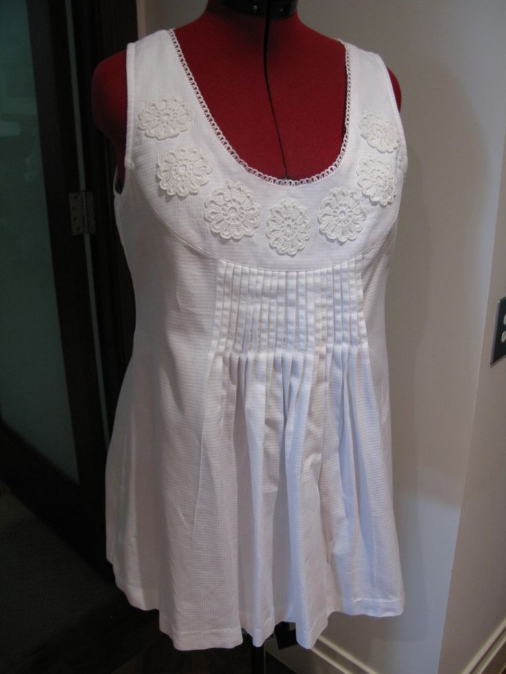 Cotton tunic top using crochet flowers bought at a stall in Bulgaria - Burda pattern