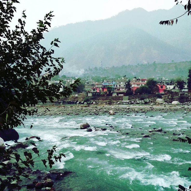 Vyas River @ bhuntar Himachal Pradesh #kheerganga #trek  #Kedygraphy #teekking #fromdelhi #firststop #himanchal #travelandlife #river #view #goodmorning #photooftheday #scenery #nature #landscape #beautiful #travelassistantindia #lonelyplanetindia #beauty #trip #travel #himanchaltrip #kheergangatrek #bhuntar