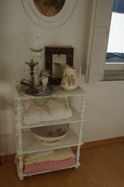 Vintage Regale - Altes Regal um 1900 Kreidefarbe weiß Shabby - ein Designerstück von Meine-Ideen-Stube bei DaWanda