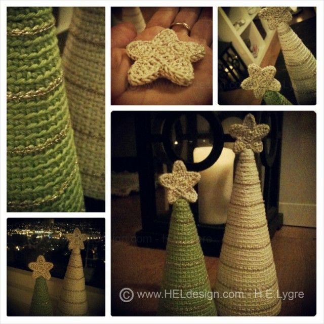 Disse juletrærne er svært dekorative, og pynter flott opp når du setter dem sammen i en gruppe, på et bord eller en hylle. Oppskrift på det lille treet får du i dag. Det store treet og stjerna kommer senere. Kast deg over heklenåla og sett i gang!