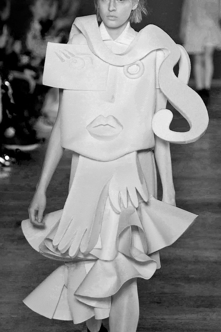 Wearable Art Dress - sculptural fashion; conceptual fashion design; creative fashion // Viktor & Rolf Spring 2016