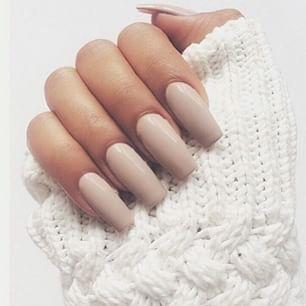 cream nails