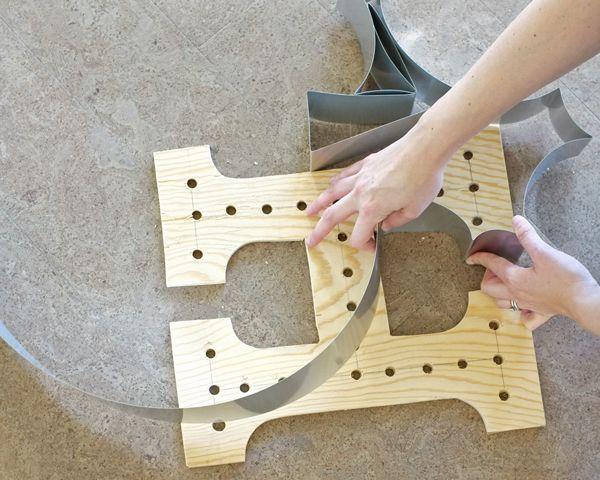 "How to make a DIY Marquee Light ""Monogram Wreath"" | tealandlime.com #DIHWorkshop"
