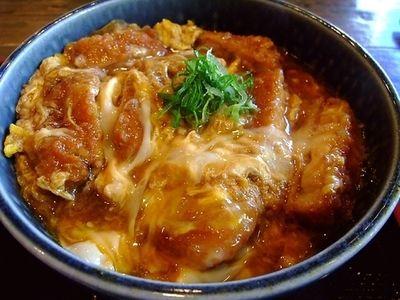 【大阪・日本橋】オタクの胃袋を支える大盛りカツ丼「喫茶定食ポミエ」 │ macaroni[マカロニ]