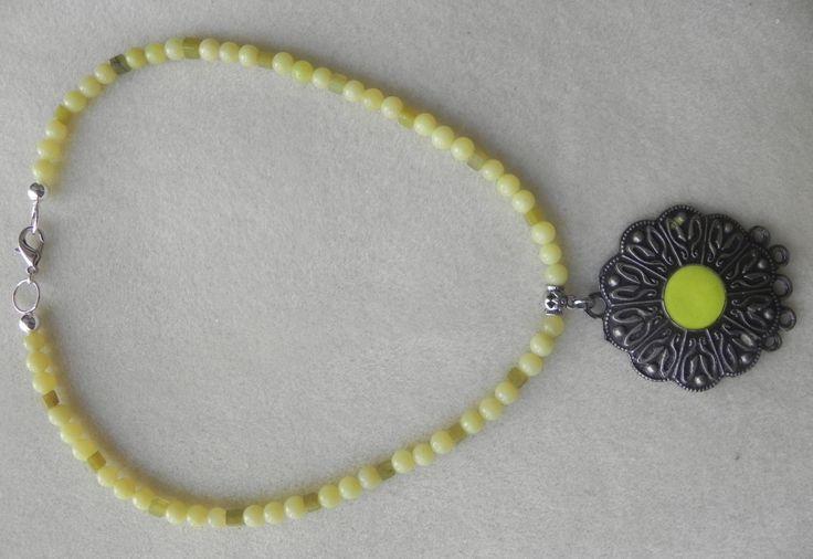 Collar en gemas, collar amarillo, collar druk collar con aretes, collar para mujer, collar para jovenes, collar para adolescentes, collar de PekitasCreations en Etsy