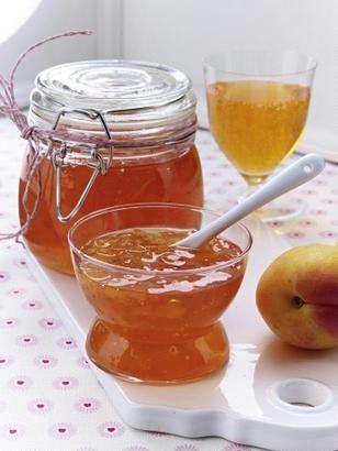 Das Rezept für Aperol Spritz-Gelee mit Aprikosen und weitere kostenlose Rezepte…