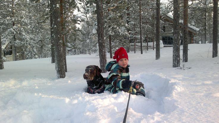 2012 snowshoeing in Äkäslompolo