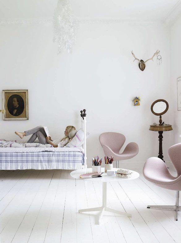 soft pastel colors + design classics - girl room in house of Fritz-Hansen