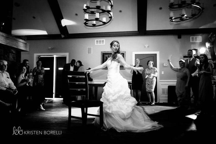 Bride Dancing  | Kristen Borelli Photography | Vancouver Island Weddings | Patterson Kaye Lodge Wedding Photography | Cottage Weddings