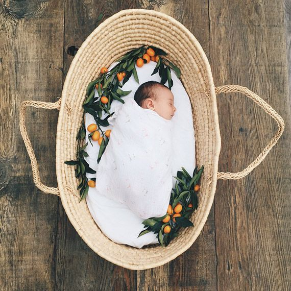 Spring newborn session. Photo by Elate Photo (via 100 Layer Cakelet).