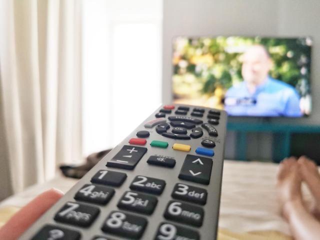 Cu sau fara televizor in camera? Review Panasonic FX 700 4K