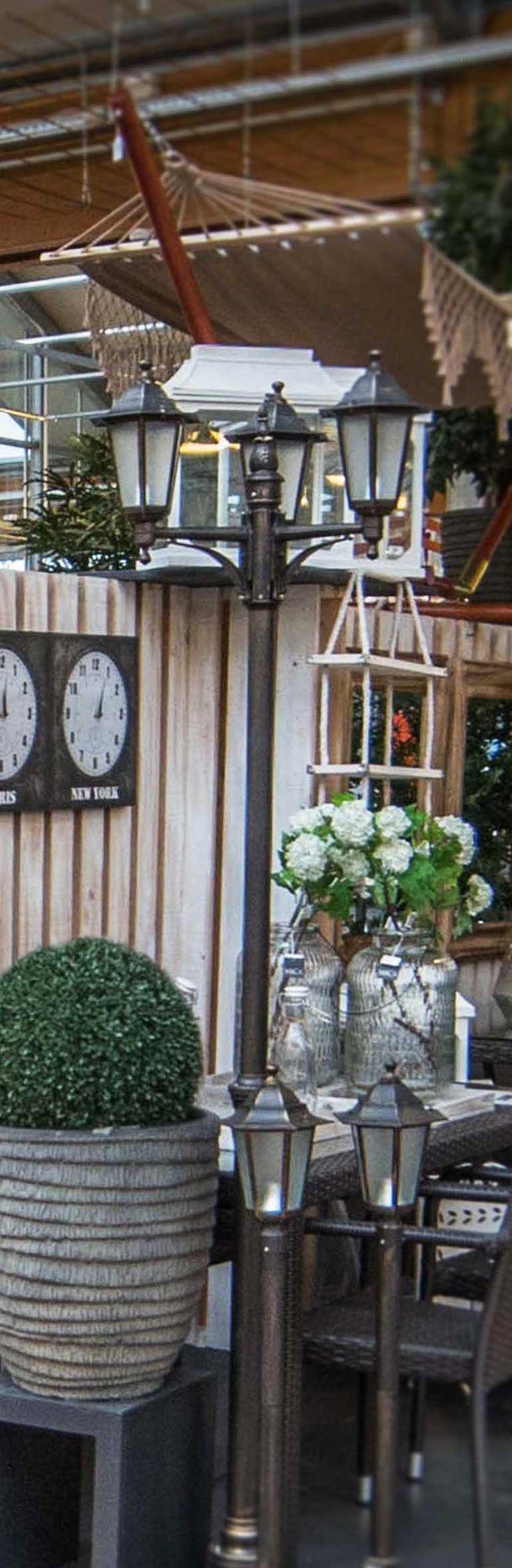 Trasform your garden in a small and romantic Parisian square. #decor #outdoor