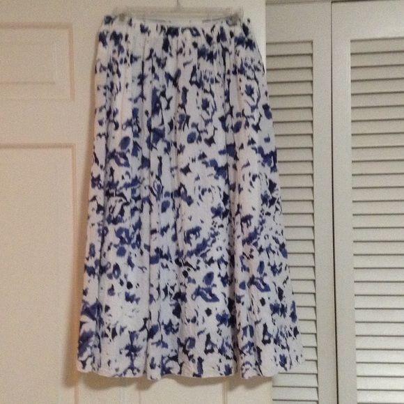 "LAURA SCOTT Blue and white skirt Lined with elastic back.  31"" long Laura Scott Skirts"