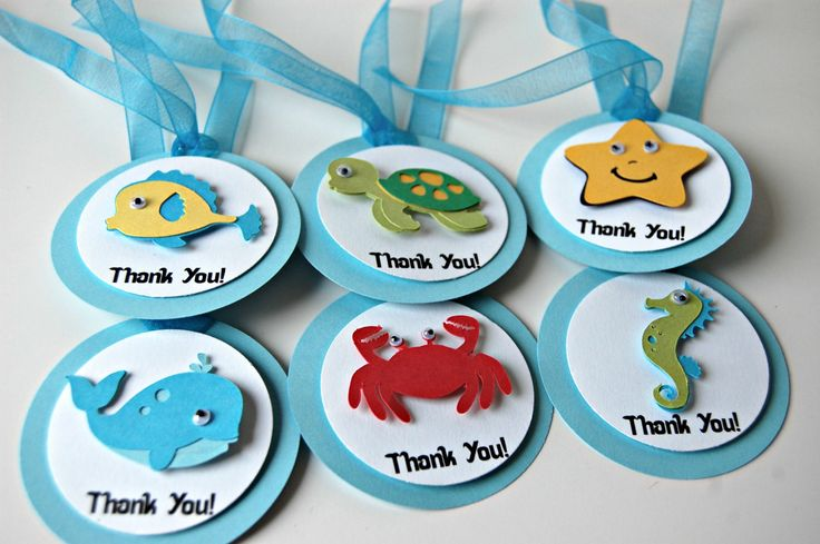 Swim on over and party Under the Sea! Favor tags are a great way to thank your party guests for celebrating with you. You will receive 12 die cut, layered, googly-eyed favors tags. Each 2.5 inch tag i