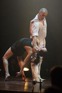 """Peggy Faye Photographe - Arts du cirque: """"La vie"""", Les 7 doigts de la main, 2010."""