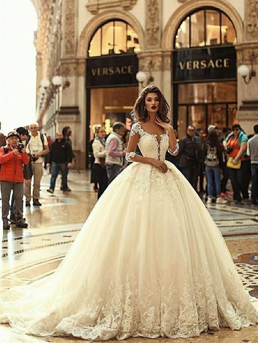 Exquisite Tüll Bateau Ausschnitt Ballkleid Brautkleider mit Perlen Applikationen WD082