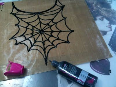 DIY Spider Web Necklace. Takes just 5 min to create. I just might have time to make matching earrings, ring and a bracelet
