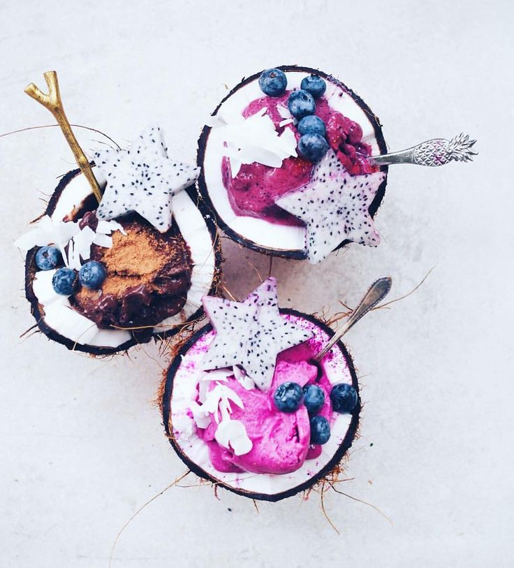 Coconut smoothie bowls
