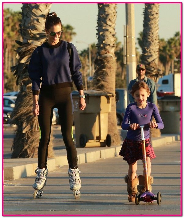 51919113 Model Alessandra Ambrosio and her husband Jamie Mazur take their kids out for a little