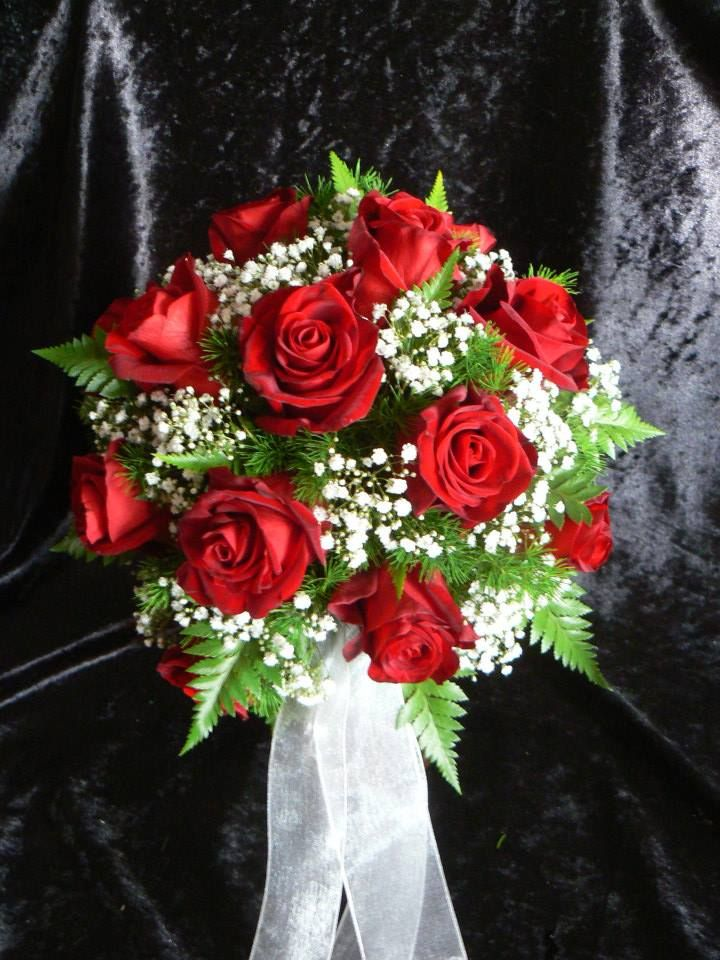 Round posy of red roses & gypsophila (baby's breath)