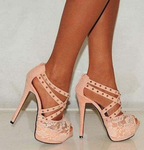 Cute salmon striped shoes with lace :) #fashion #heels #shoes #lace #hills #high heels