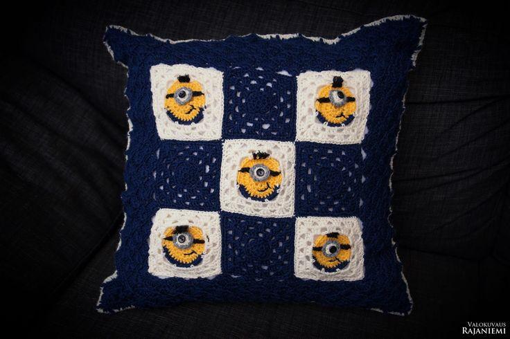 Crochet Minions pillow