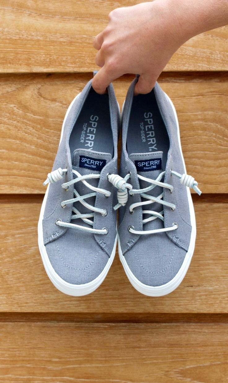 The essential spring sneaker. Shop the Sperry Crest Vibe.