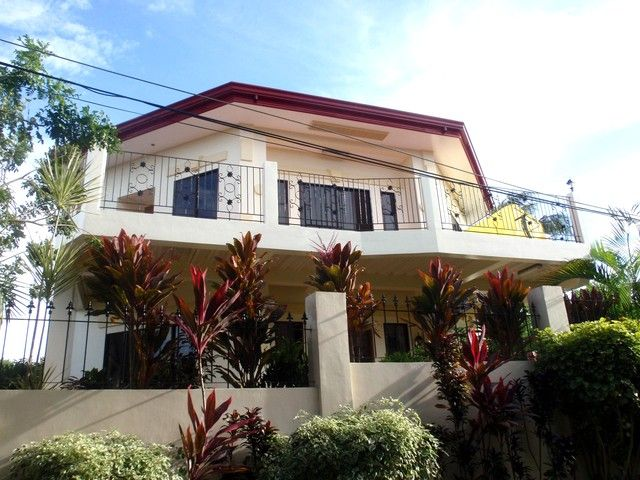Rent Review: Affordable Boracay Accommodation with an Interesting Environment and an All-in-One Caretaker (If you are looking for an affordable Boracay accommodation, this rental home is a good place to stay for a good price.)