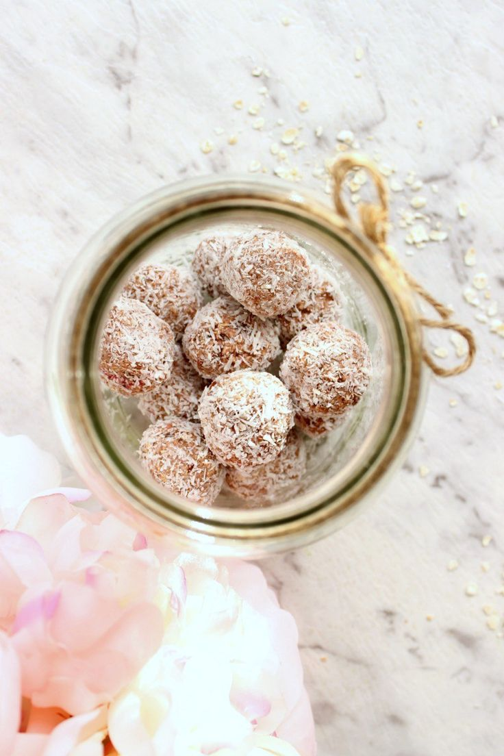 I have an obsession with bliss balls. And I had raspberries in my freezer. So now I have created an obsession with raspberry bliss balls. Trust me, they are worth the obsession. Naturally sweetened and…
