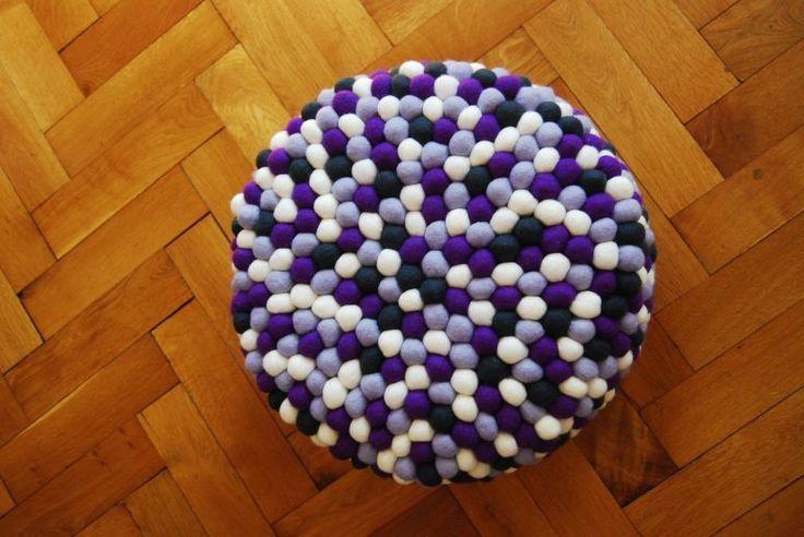pufa okrągła lavender field w felt stories na DaWanda.com