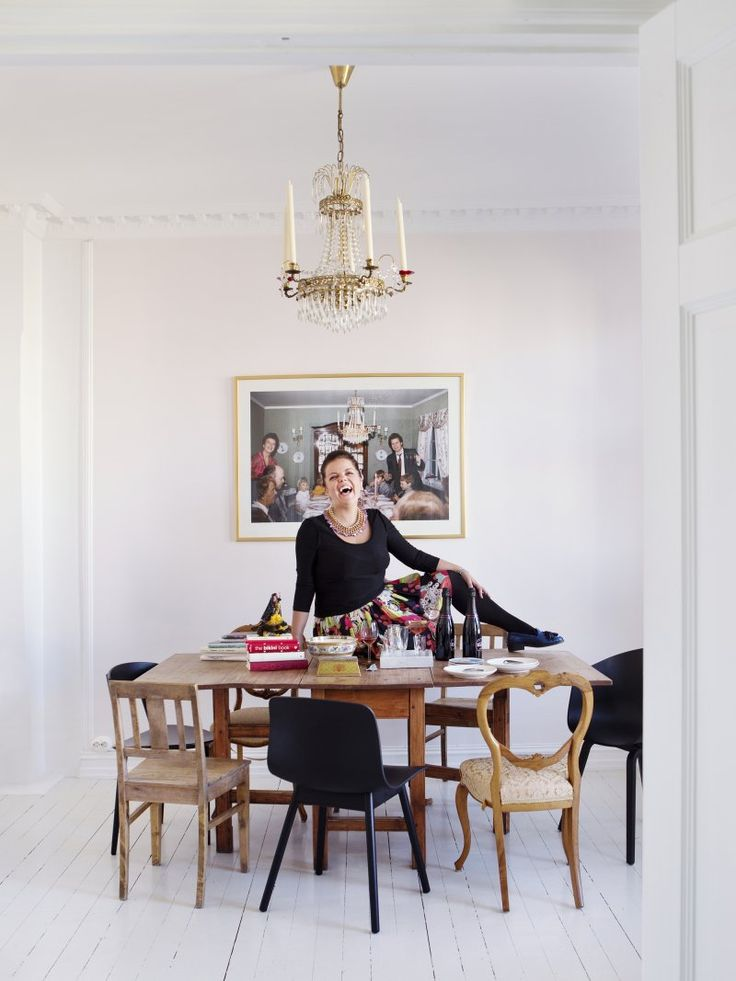 """Our favorite comedian (she is like a bottle of bubbles) Else Kåss Furuseth (and her lovely dining place)  """"I never tidy and my oven is not even connected!""""  kkliving.no Photo by Yvonne Wilhelmsen"""