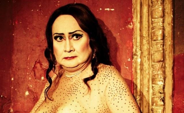 Le Récital Emphatique de Michel Fau. http://ricketpick.wordpress.com/2012/05/12/theatre-critique-michel-fau-recital-emphatique/