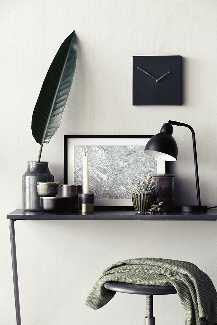 Quadratische Wanduhr und skandinavische Dekoration /// Square wall clock and scandinavian decoration. Perfect for writers <3