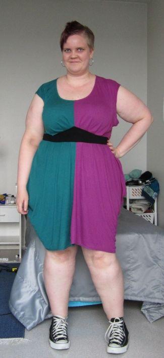 Цвет блокирование 4everrrrrrr.  Платье: Ваша одежда (18 / 20UK) Обувь: Converse