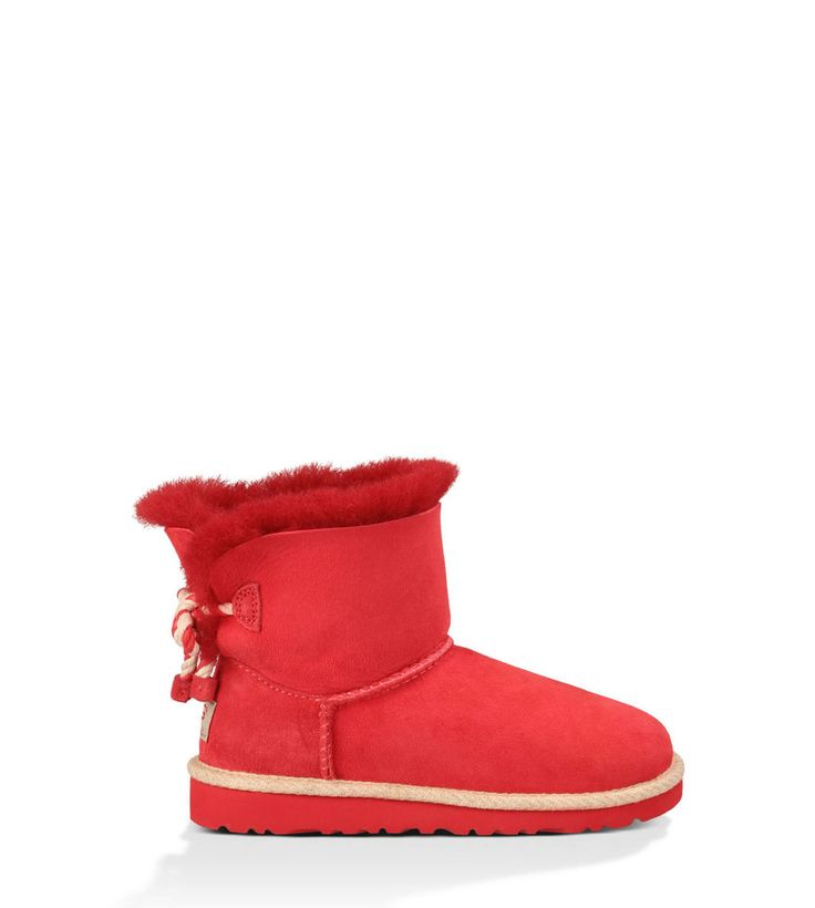 Ugg: Kids Selene Little Kid/Big Kid (Red) The kids UGG® Selene sheepskin boot is the nautical version of the original Ugg Classic pull on boot style but with details like rope and a jute binding, conjuring images of seaside adventures. The lightweight EVA outsole and genuine Twinface sheepskin provides extra comfort for all day wear. This is a pretty UGG® style for kids that will soon become their favorite.