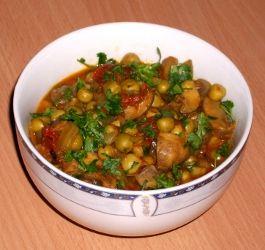 Mushroom Peas Curry - Curry de Ciuperci cu Mazare